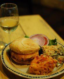 burger-beat-wine