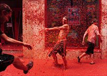outsider-tomatina-red