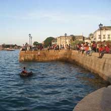 zanzibar-locals-swim