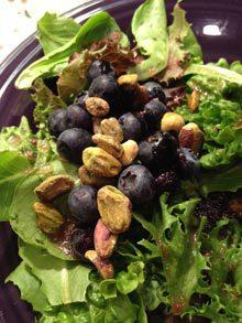 everyday-green-blueberries