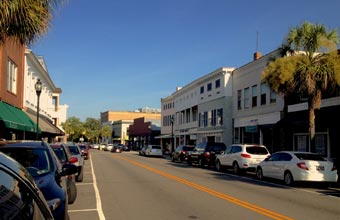 along-Bay-Street-in-Beaufort
