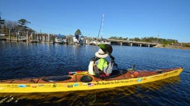 kayak-deb-paddling