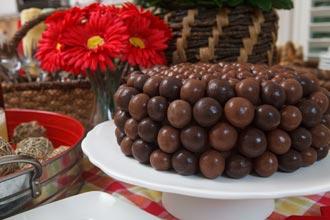 everyday-Malted-Milk-Ball-Grooms-Cake---H1