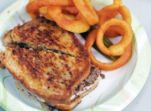 burger-Patty-Melt-with-Rings
