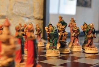 never-Chess-Set-Horiz