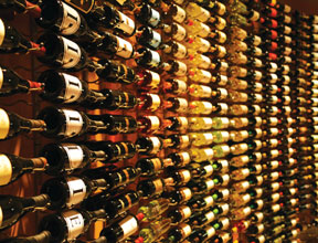 LBB-Breakwaters-wall-of-wine